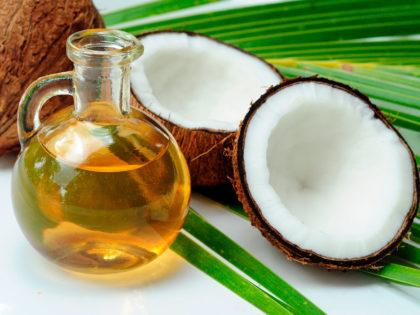 Óleo de coco: como usar para deixar o cabelo com brilho e hidratado