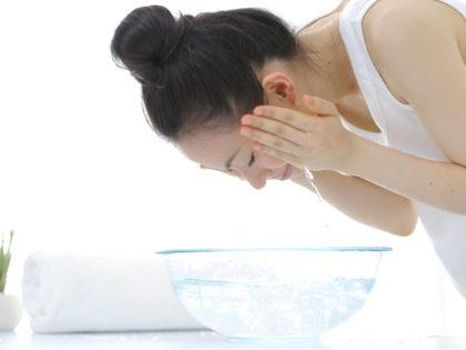 Como lavar o rosto e ter a pele linda